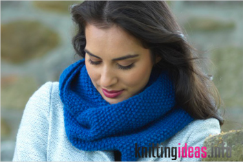 free-knitting-pattern-for-cosy-cowl-scarf-metanoia-snood-calm-moment-353x236