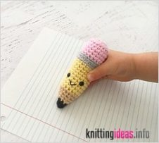 ravelry-pencil-keychain-pattern-by-yarn-blossom-boutique-226x203