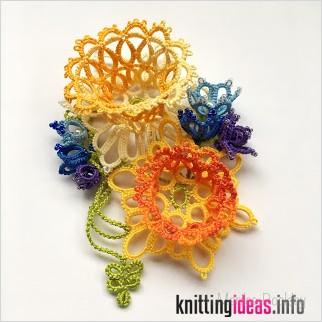 yarnplayers-tatting-blog-spring-corsage-in-3d-tatted-flowers