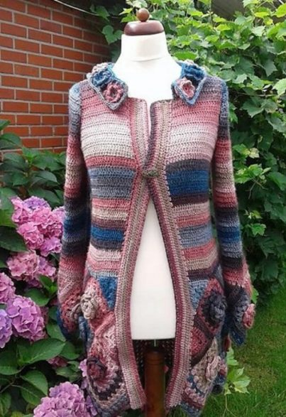 Autumn-Rose-and-Flower-Patterns-Crochet-Sweater-7-403x587