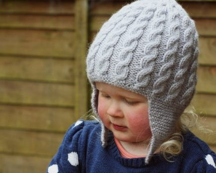 Earflap-Hat-Knitting-Patterns-for-Children-18-435x348