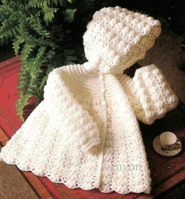 Baby-Hooded-Sweater-Knitting-Pattern-15-372x400