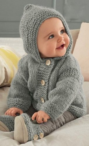 Baby-Hooded-Sweater-Knitting-Pattern-3-305x498