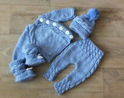 Knitted-Baby-Rompers-Pattern-24-250x198