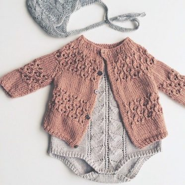 Knitted-Baby-Rompers-Pattern-27-373x373