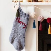 Best-25-Knitted-Patterns-for-Christmas-Stockings-24-210x210