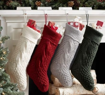 Best-25-Knitted-Patterns-for-Christmas-Stockings-5-440x395
