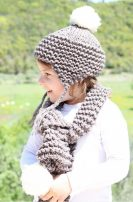 Lovely-20-Earflap-Hat-Knitting-Patterns-for-childs-22-133x202