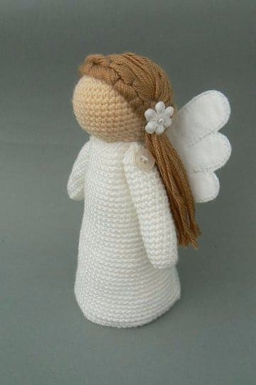 Angels-in-amigurumi-knitted-pattern