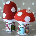 Mushroom-shaped-needle-pad-from-felt-DIY-1-150x150